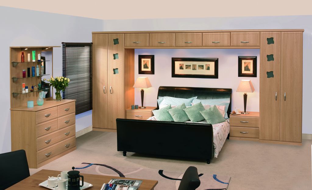 http://www.ianwoodbespokeinteriors.co.uk/wp-content/uploads/2017/01/Natural_Oak_Euroline_Bedroom.jpg